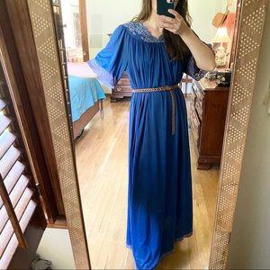 Vintage Blue Cottage Core Dressing Gown